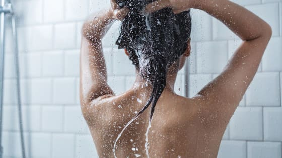 We all love our hot showers, but what if a cold shower was actually better for you? Let's take a look at some of the benefits of a cold shower!