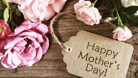 Treat the top lady in your life to some great food and the perfect gift this mother's day. Find out which gift you should get by taking our quiz!