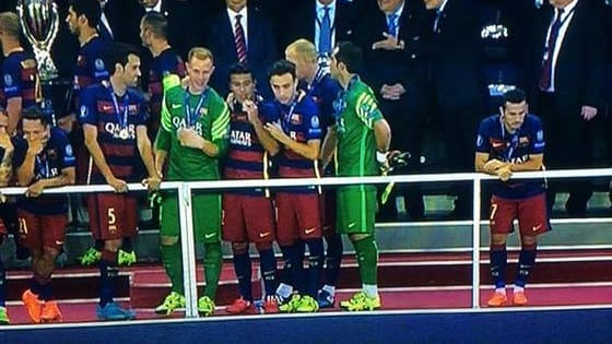 Pedro Rodriguez sedang galau. Masa depannya di Barcelona suram karena terus dicadangkan Pelatih Luis Enrique.   Di lain pihak, Manchester United dikabarkan membutuhkan tenaga gelandang serang asal Spanyol itu.   Menurut kalian, sebaiknya Pedro tetap di Barcelona atau pindah ke Manchester United? Ikuti Pollingnya di bawah ini: