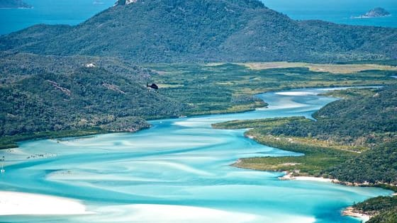 Australia is for most of us that country located at the other side of the world, a country which looks even for some of us almost untouchable. Lets see if you can match some destinations