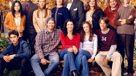 Gilmore Girls actress Lauren Graham spilled all of the behind-the-scene secrets, just in time for the Gilmore Girls reboot debut on Netflix. The actress penned a shocking tell-all titled. Talking As Fast As I Can.