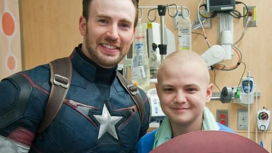 Chris Evans donned his Captain America and visited these sick kids along with Chris Pratt. The result is perfection!