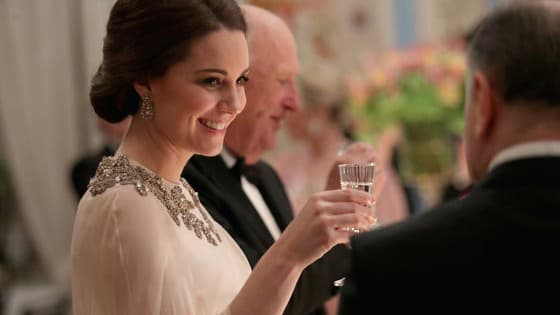 The Royals live in a world that operates very different from our own. They have their own rules and traditions for nearly everything, including meals. If you ever find yourself dinning with the Queen, remember to follow her lead.