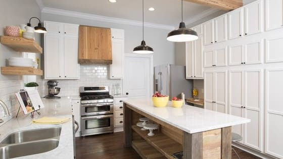 Are you more minimalist chic or 1950s retro? Find out which kitchen from Fixer Upper was made for you.