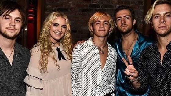 Prove you really know R5 (and emojis) with this trivia quiz!