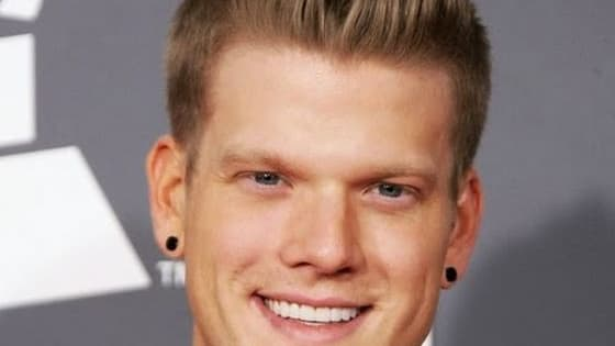 How well do you really know Pentatonix member, Scott Hoying? Find out!