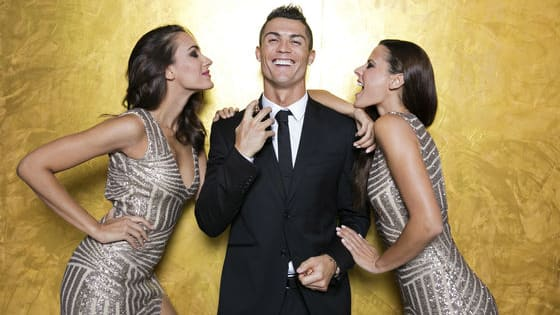 In addition to football star Cristiano Ronaldo and US singer Selena Gomez (and of course Instagram itself) here are some of most popular accounts on Instagram that have managed to assemble millions of followers.