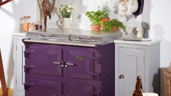 The Everhot heat storage range combines the warmth of the classic range with the flexible cooking methods of a modern cooker to provide you with uncompromised quality