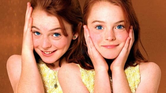 """Do you want to know the real difference between us?"" Find out - Parent Trap style!"