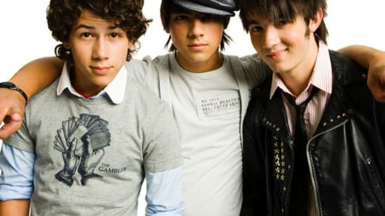 Were you the hugest Jonas Brothers fan? Here's your chance to prove it with Jonas Brothers lyrics trivia!