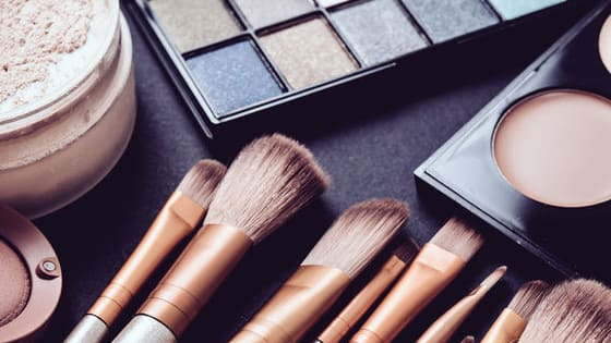 Do you swear by beauty and make-up trends? Do you live and breathe make up? Take this fun test to find out whether you really are a makeup junkie.