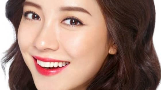 Let's see how well you can identify these Korean actresses based only on their beautiful radiating smiles.