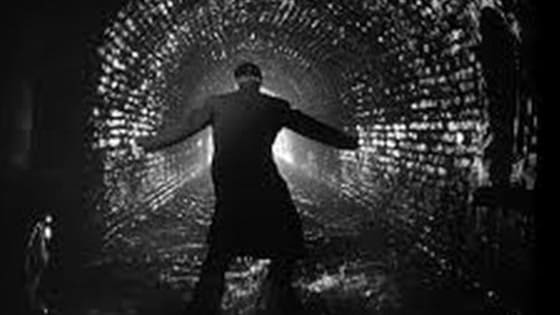 """Can you identify these classic noir movies by one iconic image? (Helpful """"quotes"""" included)"""