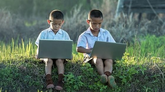 Here are some top tips for concerned parents seeking to keep their children safe when online...