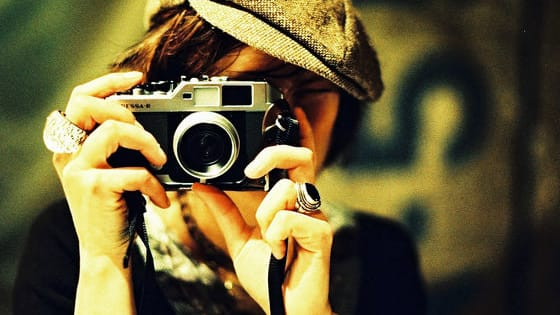 Film cameras come in dozens of shapes and sizes, costing from £10 to hundreds of pounds. But don't feel intimidated by the variety. Take our budget-friendly quiz to select the perfect film camera for yourself!