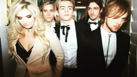 It's time to prove once again that you know R5 better than anyone!
