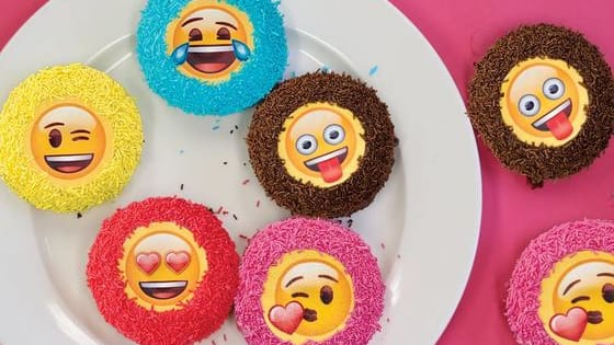 Take our quiz to find out which Donut King emoji donut best describes your personality.