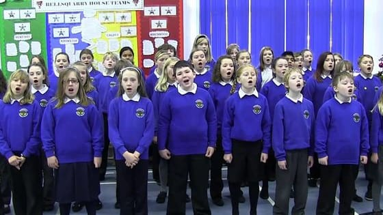 Singing assembly was a special moment for those who went to British primary schools. Let's take you back and see how many songs you can remember.