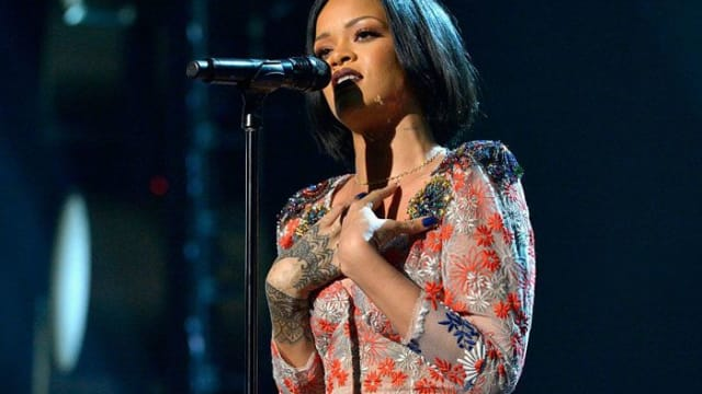 Rihanna now has more top ten hits than Michael Jackson and is the third artist to have more than thirty songs get into the top ten Billboard charts. Find out more here!