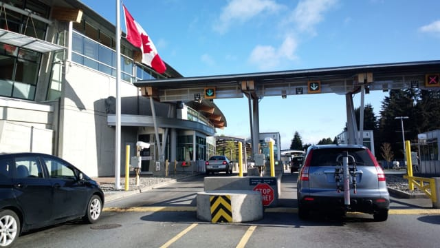 Toronto School District, the largest in Canada, has announced that it will no longer plan trips to the United States for students due to worries that students from immigrant families may be stopped at the border. Do you agree with this decision?