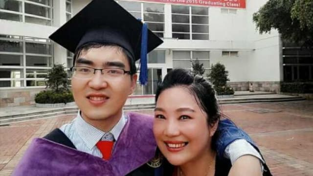 Here's a true testament to the power of a mothers love! Zuo Hongyan ignored doctors and her husband and refused to give up on her son; now he's on his way to Harvard!