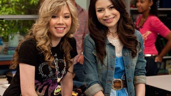 Miranda Cosgrove y Jennette McCurdy interpretaron a las BFF's Carly y Sam. Lo mejor de esto es que esa amistad salió del set y está más fuerte que nunca. 😍