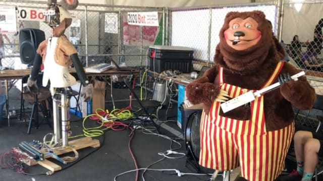 Looks like the The Rock-afire Explosion is getting back together.