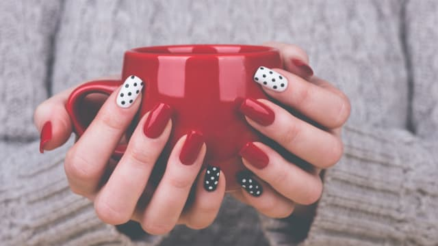 There are all types of manicure, from easy nail designs to more sophisticated ones. Everyone can find nail art ideas designated specifically for them.