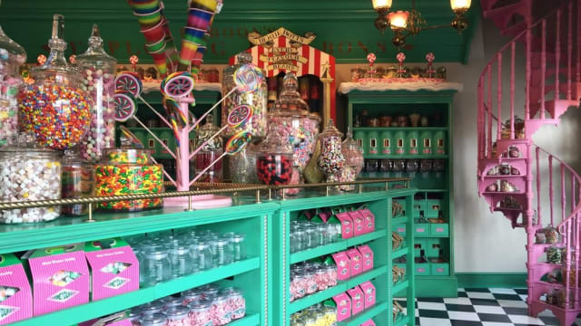 The shelves of Honeydukes are overflowing with sweets both delicious and horrifying. Whether it's a trick or a treat, any young witch or wizard is bound to nibble on at least one of these confections on Halloween. Which would you most like to receive?
