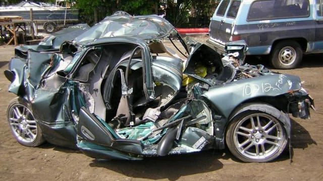 Selling your broken car is not easy until you come across the best place to sell junk cars. The broken cars are inactive cars that are of no use to their owners. It is better to sell a broken car instead of spending money on expensive repairs.