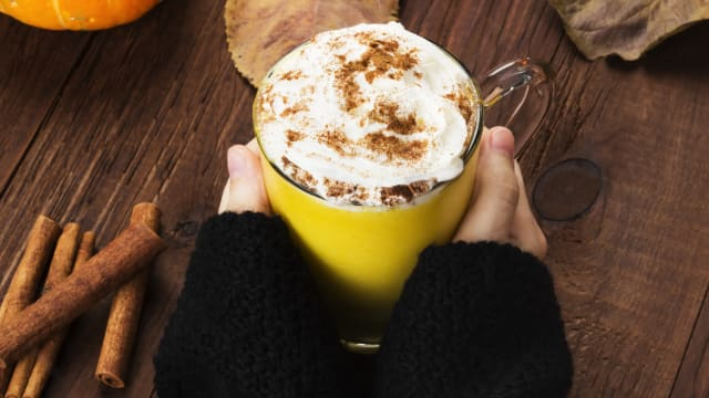 Before the crisp air of fall even hits, Starbucks and other coffee shops will be selling the pumpkin spice latte. The PSL IS the coffee drink of autumn. What is it about this drink that makes it so popular?