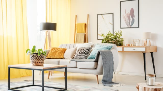A home should feel cozy and inviting. Adding an element of cozy to your home doesn't have to be expensive. It's all about incorporating the right elements in creative ways.