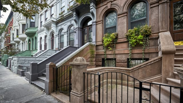 New York City is one of the most expensive cities in the United States, but math works just the same there. So when should you opt to buy your home over renting in the Big Apple?