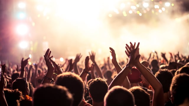 A concert can be one of the most memorable experiences in your life. That's why it makes the perfect date night. Shaking up your routine and connecting over an amazing experience can bring you and your date closer than ever.