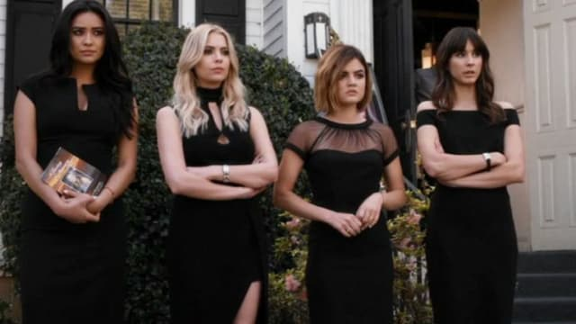 So you think you know all the secrets of Spencer, Allison, Aria, Hanna, and Emily? Time to find out just how much you know about all the drama of Pretty Little Liars.