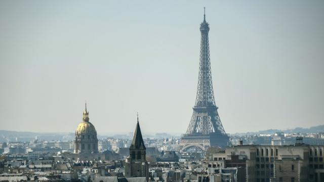 La Dame de Fer a 130 printemps. Ouverte au public le 15 mai 1889, elle est devenue depuis l'emblème de Paris et même de la France.