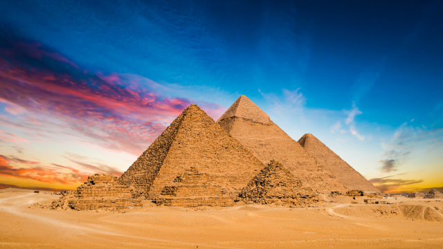 These incredible wonders of the world have stood in Giza far longer than you may think - and this one incredible fact puts it into startling perspective!