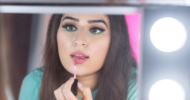 The Best Makeover Show To Watch Right Now, According To Instagram's Darling Manal