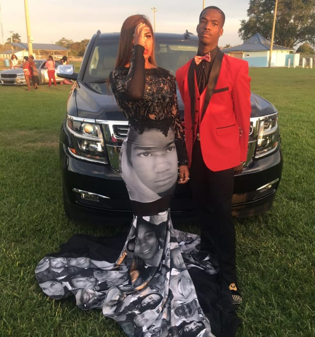 ee5f5a27f5fe These Are the Most Stunningly Woke and Creative Prom Dresses You ll ...