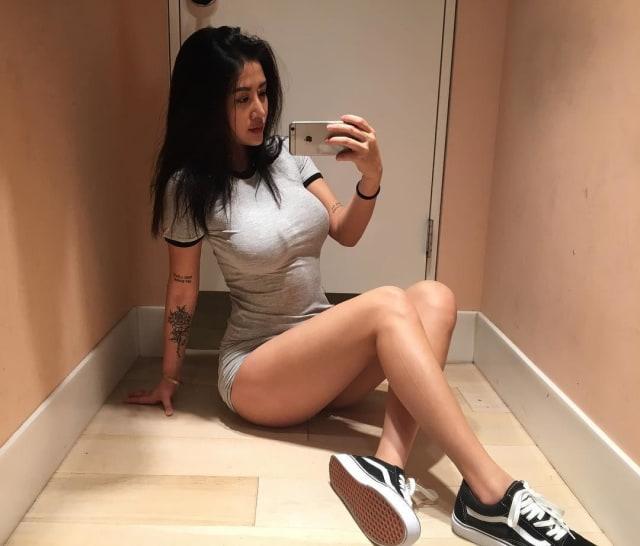 Девушки в сексуальной одеждн
