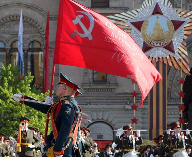 Cada 9 de mayo los rusos celebran el Día de la Victoria, en conmemoración a la rendición de la Alemania nazi ante la Unión Soviética y los países aliados.