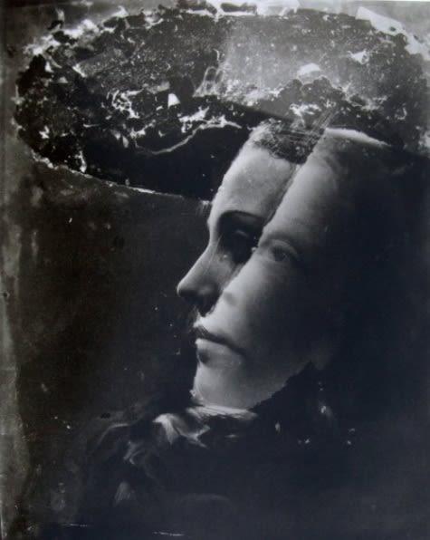 """""""Retrato doble"""" en 1936. Explorando sus tendencias surrealistas."""