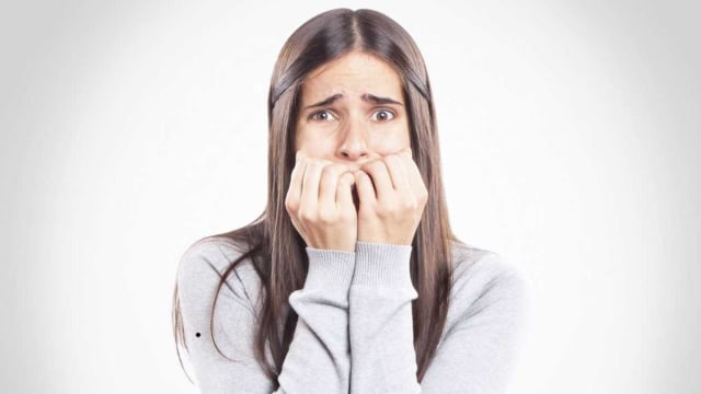Por pasar tan solo una sola noche sin dormir puede ocasiones el debilitamiento y pérdida del tejido cerebral.  Ésta se calcula por los niveles de la sangre de dos moléculas cerebrales, que suelen aumentan por un daño cerebral, por lo cual sentimos ansiedad.