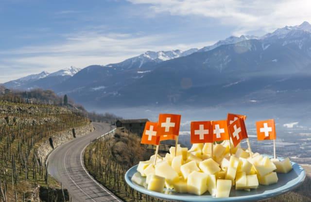 Puedes degustar los famosos quesos suizos frente a Los Alpes