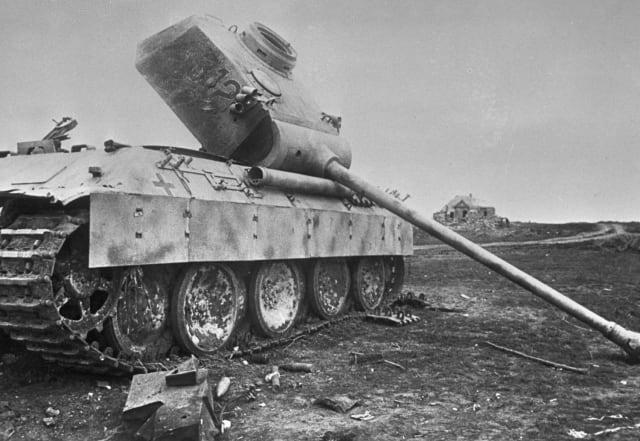 Un tanque nazi destruido