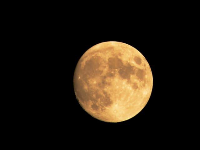 Cortar el cabello seg n el calendario lunar mito o realidad Cuando hay luna creciente