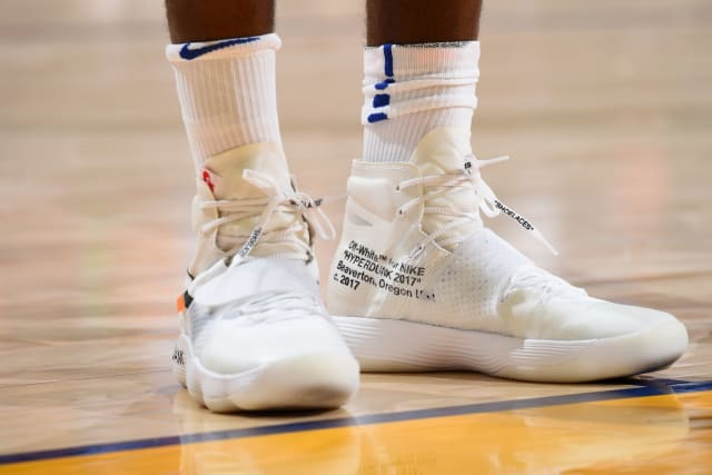 e8326cd6c1fa9 Quem usou o tênis mais legal na semana de estreia da NBA    Blogs - ESPN