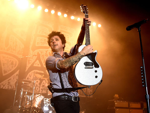 an overview of the lead singer of the band green day billy joe armstrong