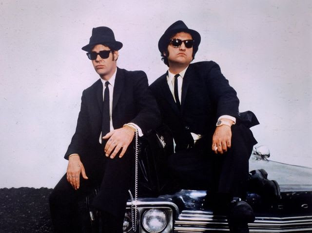 ¿Quién dirigió 'The Blues Brothers'?