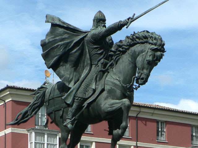 Rodrigo Díaz de Vivar, better known as El  Cid, is best known for conquering which city in 1094?